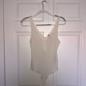 Emma & Sam Cream plunge Bodysuit Size:L
